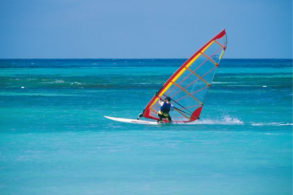 Windsurfing in Apulien